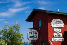 grand-marais-mn-dockside-fish-market-0335